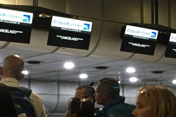 «Es una canallada»: pasajeros de Copa intentan salir de Venezuela