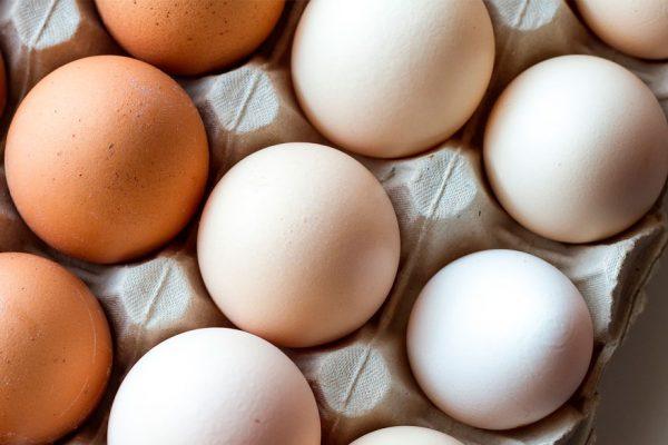 Precio del cartón de huevos se duplicó en menos de tres meses
