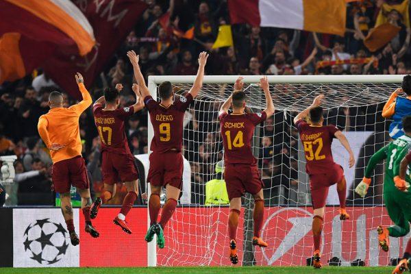 Barcelona cae 3-0 en Roma y queda fuera de Champions