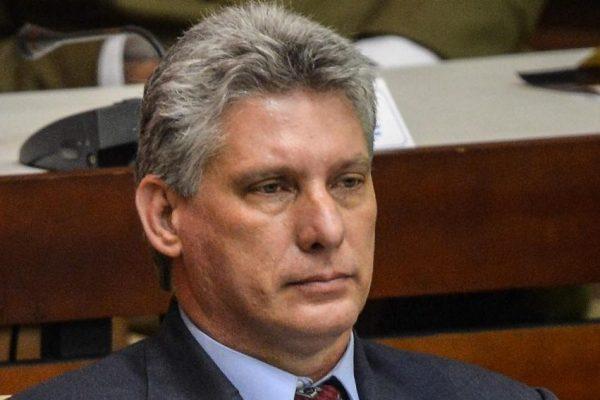 Díaz-Canel visita Venezuela en su primer viaje como presidente