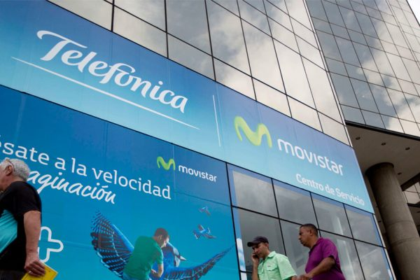 Ingresos de Telefónica en Venezuela caen 76,9% en el primer trimestre