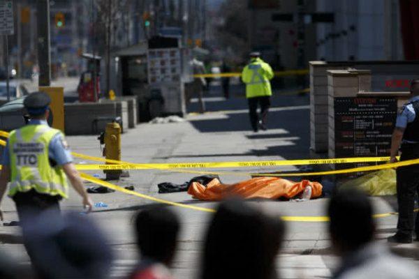 Al menos 9 muertos y 16 heridos tras arrollamiento en Toronto