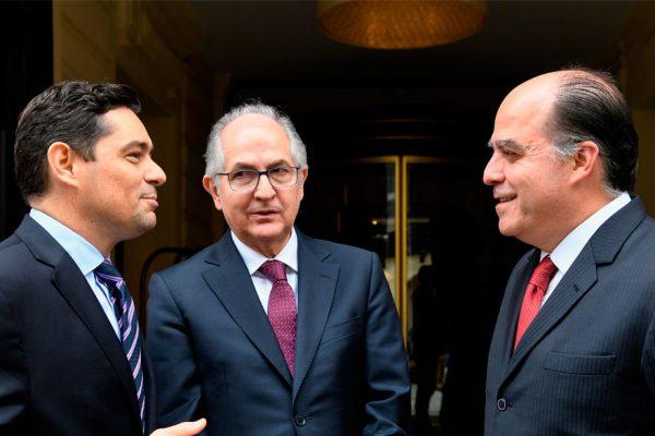 Oposición pide limitar operaciones en petros y ampliar sanciones