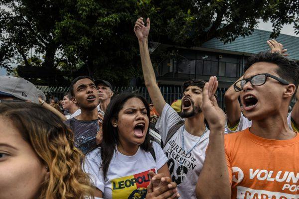 Éxodo y miedo alejan a los estudiantes de las marchas