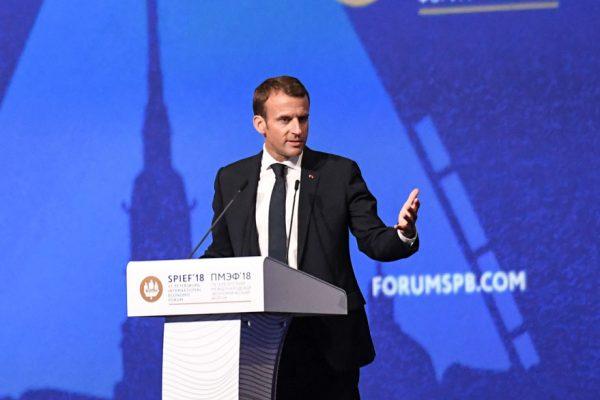 Macron entiende que las caricaturas pueden «chocar» pero denuncia la violencia