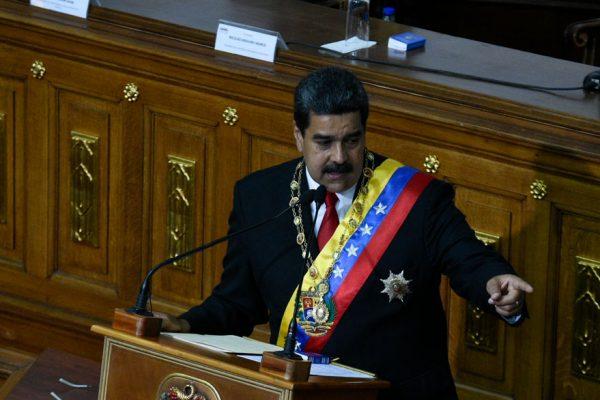 Maduro no descarta pedir ayuda a la Opep y a Rusia para subir producción