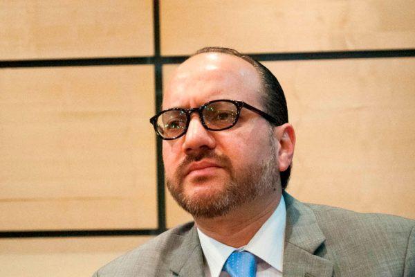 John Magdaleno: «transición no negociada traerá inestabilidad política crónica»