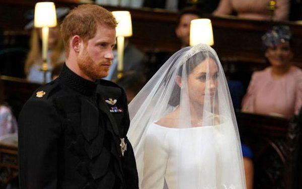 El príncipe Harry y Meghan Markle salen de la iglesia como duques de Sussex