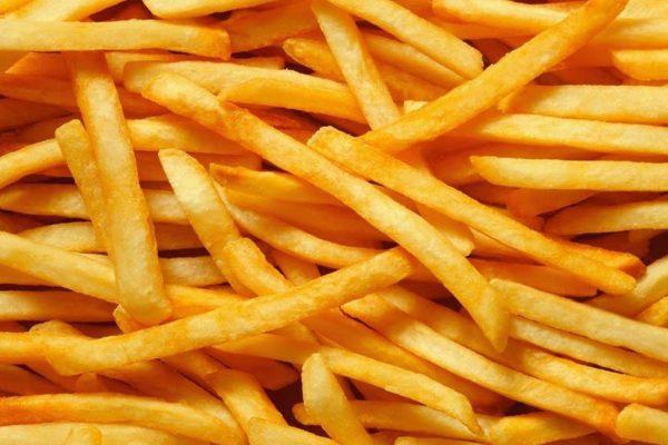 Científicos revelan por qué la comida chatarra es tan apetitosa