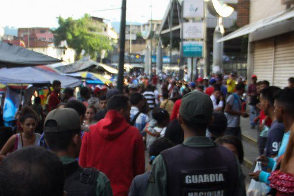 Alvarado: Inflación en Petare subió 13% en una semana