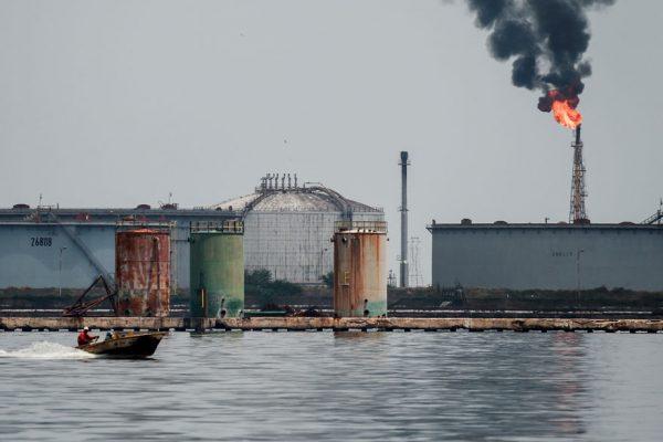 $8 mil millones serían destinados para recuperar refinerías y pozos petroleros perdidos