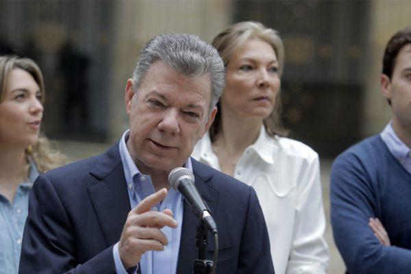 Investigan a Juan Manuel Santos por financiamiento ilegal de su última campaña