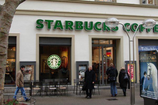 Starbucks cerrará unas 400 cafeterías como consecuencia de la pandemia