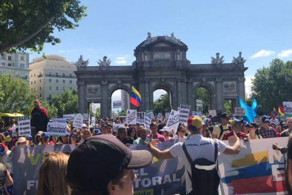 Venezolanos en el exterior protestaron contra las elecciones