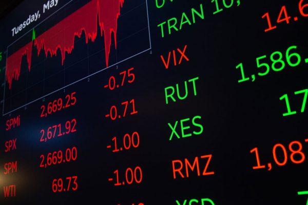 Tras récord del S&P 500: Wall Street abre con pérdidas y Dow Jones baja 0,44%