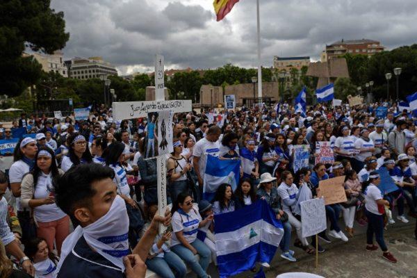 Congreso de Nicaragua amnistía a opositores presos y a los represores de 2018
