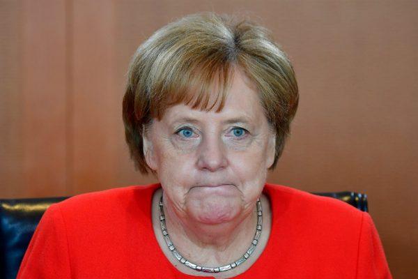 Coalición de Merkel enfrenta turbulencias por avance de extrema derecha alemana