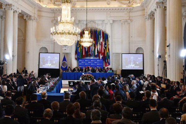 7 países plantean eventual suspensión de Venezuela de la OEA