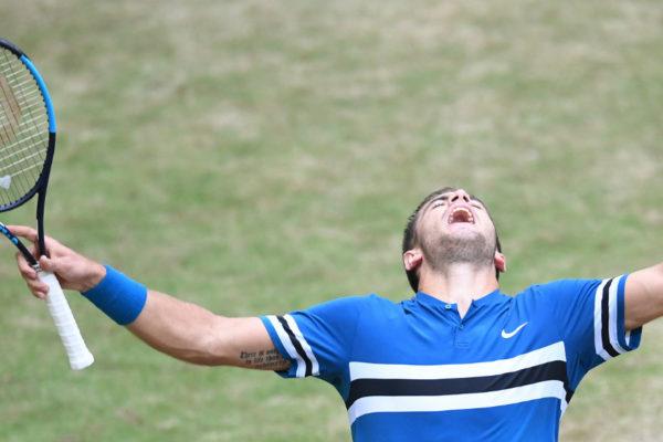 Federer pierde la final de Halle con Coric y cede el número 1 mundial