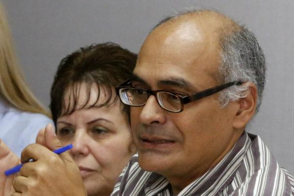 El ministro de Salud Carlos Alvarado tiene COVID-19