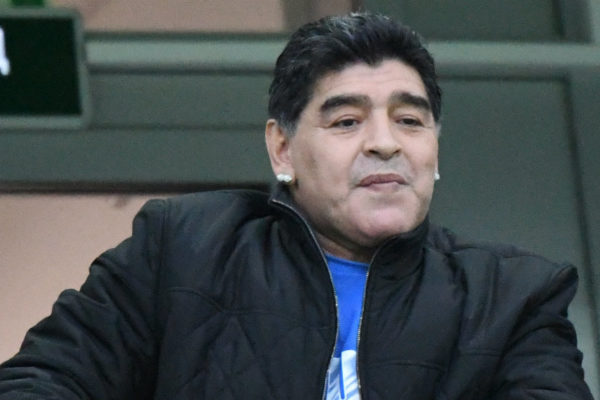 Maradona es internado en clínica para recibir tratamiento por cuadro de anemia