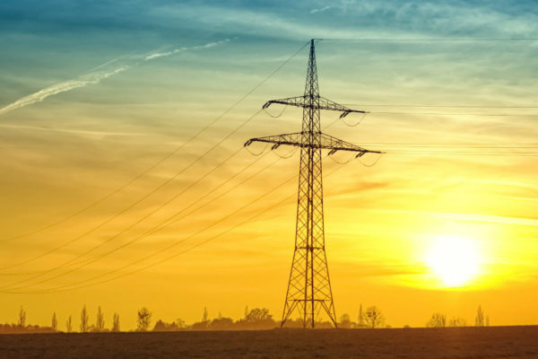 Países bálticos inician desconexión eléctrica de Rusia para unirse a la UE