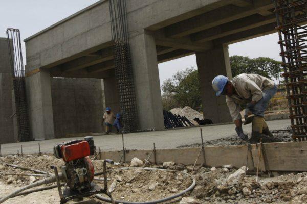 Sindicatos de la Construcción plantean salario mínimo sectorial de $1 diario
