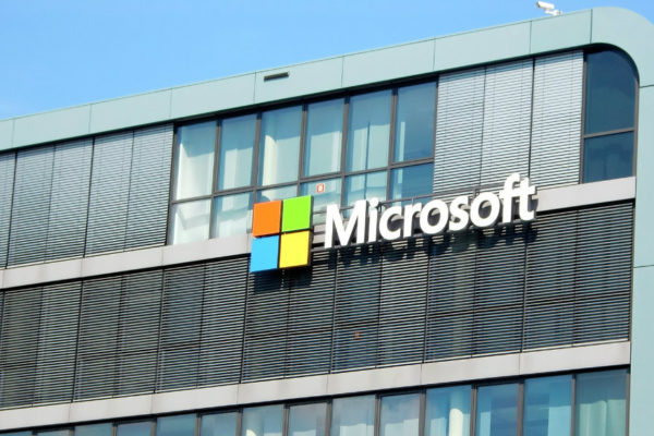 Microsoft y AT&T firman alianza de $2.000 millones para apuntalar servicios en la nube