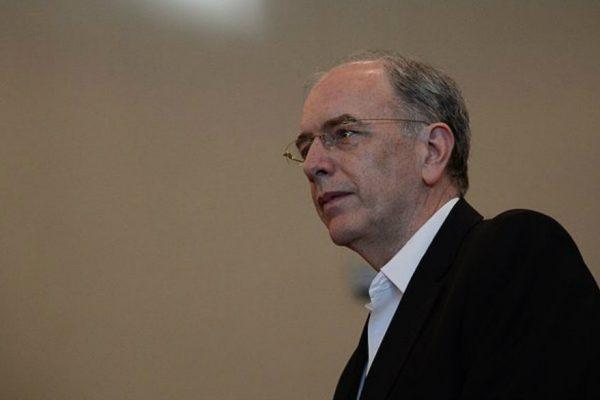 Renuncia presidente de Petrobras tras huelga de camioneros