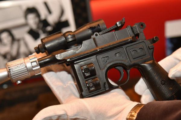 Subastan pistola de Han Solo en «Star Wars» por $550.000 en EEUU
