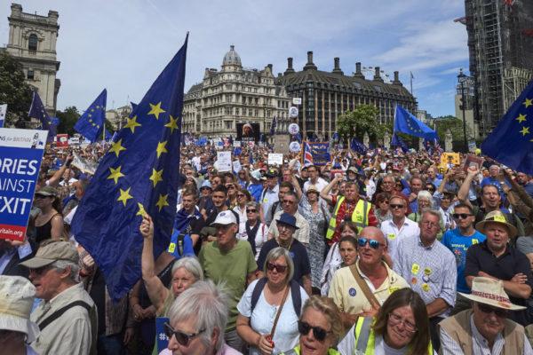 Activistas se movilizan por un segundo referéndum del brexit