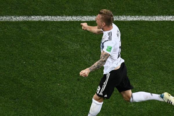 Toni Kroos mantiene con vida a Alemania en el Mundial