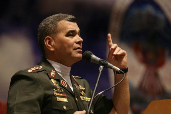 Vladimir Padrino López es ratificado otra vez como Ministro de la Defensa