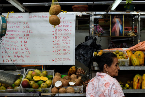 Salario mínimo solo cubre 14% de la canasta de 8 productos básicos en el estado más barato