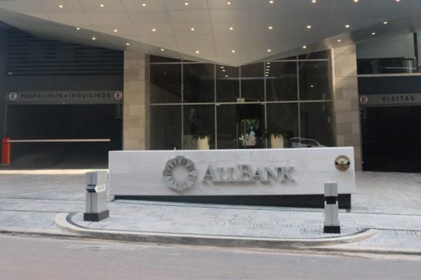 All Bank recibe calificación BBB con perspectiva estable