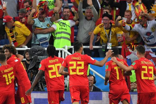 Bélgica pasa invicta al derrotar a Inglaterra