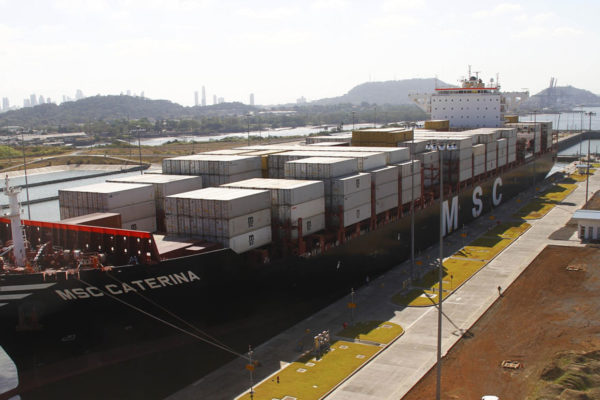 Canal de Panamá «ya empieza a sentir» las consecuencias de la pandemia