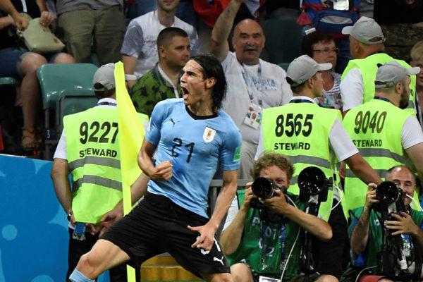 Uruguay vence 2-1 a Portugal y jugará contra Francia en cuartos