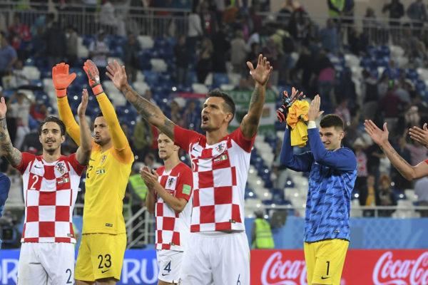 Croacia vence a Nigeria por 2-0y lidera su grupo