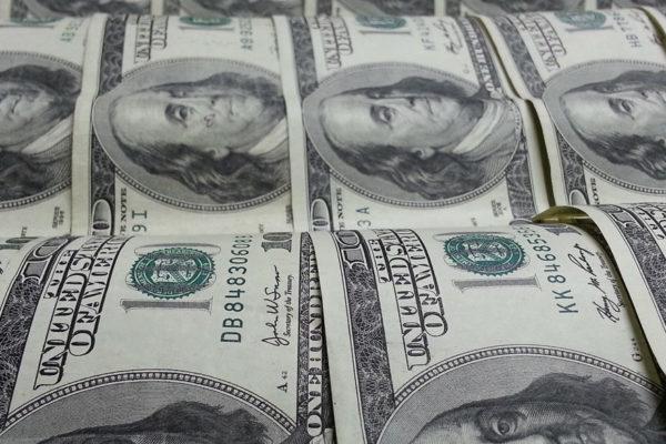 Dólar oficial sube 0,34% a Bs.46.291,62 y el paralelo repunta