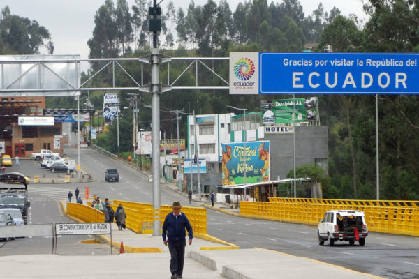 Ecuador facilitará migración de menores venezolanos sin papeles