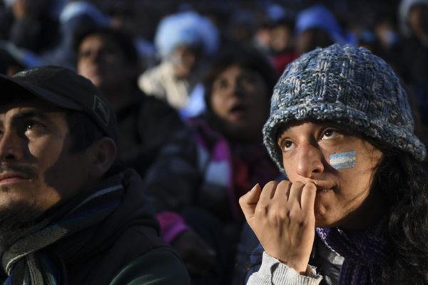 FOTOS | La derrota argentina en los rostros de sus fanáticos