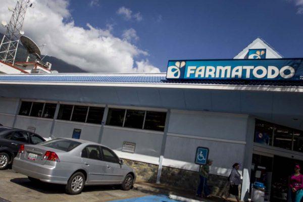 Maduro pide ir «con todo» contra Farmatodo por supuesta especulación