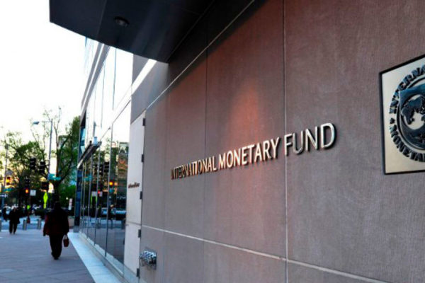 Coronavirus pone en riesgo recuperación de economía mundial (FMI)