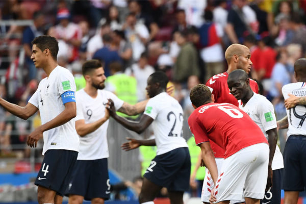 Francia empata con Dinamarca y pasa como primero del grupo C