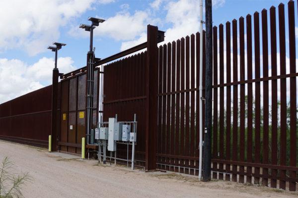 El terror de perder a los hijos se extiende por la frontera de EEUU