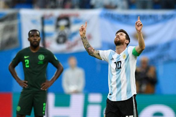Argentina derrota a Nigeria 2-1 y pasa a octavos