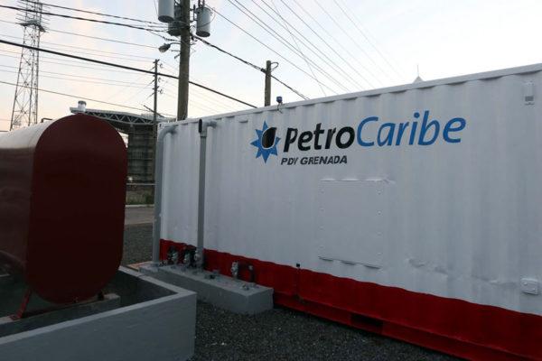Maduro prevé fortalecer mecanismo de Petrocaribe «para combatir asedio económico»