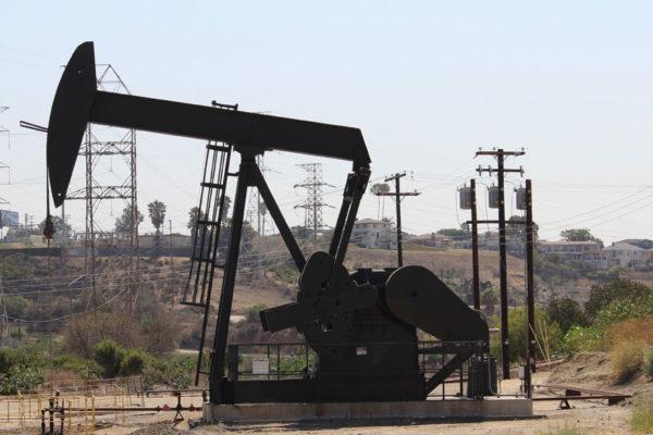 El petróleo sube por las sanciones a Irán