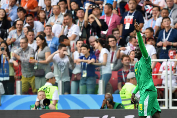 Senegal gana 2-1 a Polonia y logra primer triunfo africano